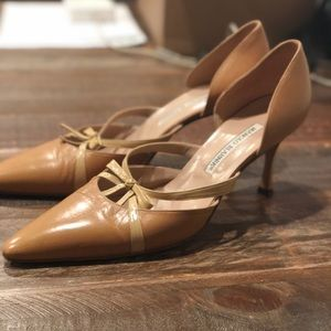 Manolo Blahnik Tan Leather D'Orsay Pumps